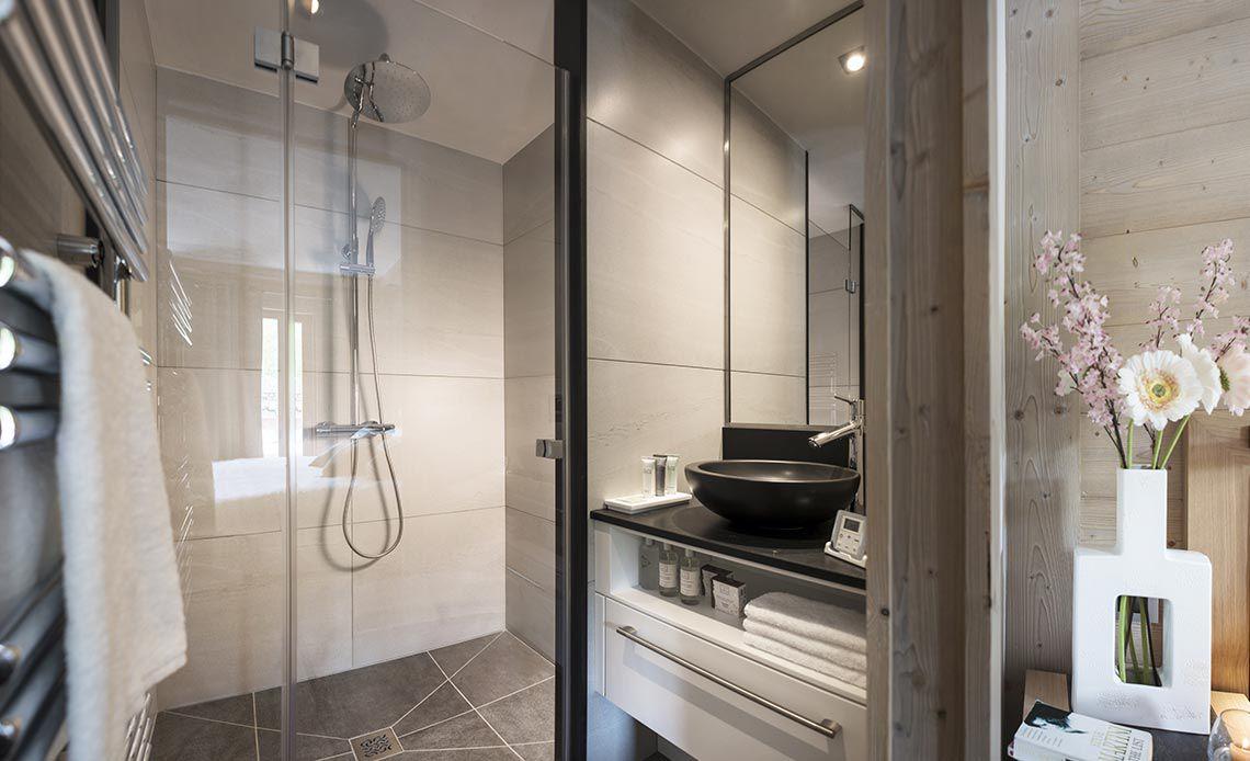 Bathroom | Hôtel Les Suites du Roc des Tours | MGM Hôtels & Résidences