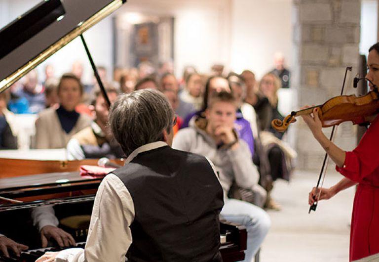 Soirée Piano au Roc des Tours - Le Grand-Bornand | MGM Hôtels & Résidences