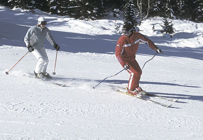 French Ski School invites you to Les Saisies for Spring Skiing | Montaign stay | MGM Hôtels & Résidences