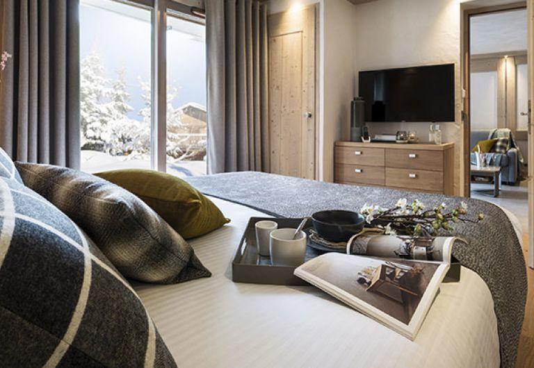 Les Suites du Roc des Tours bedroom - MGM Hôtels & Résidences